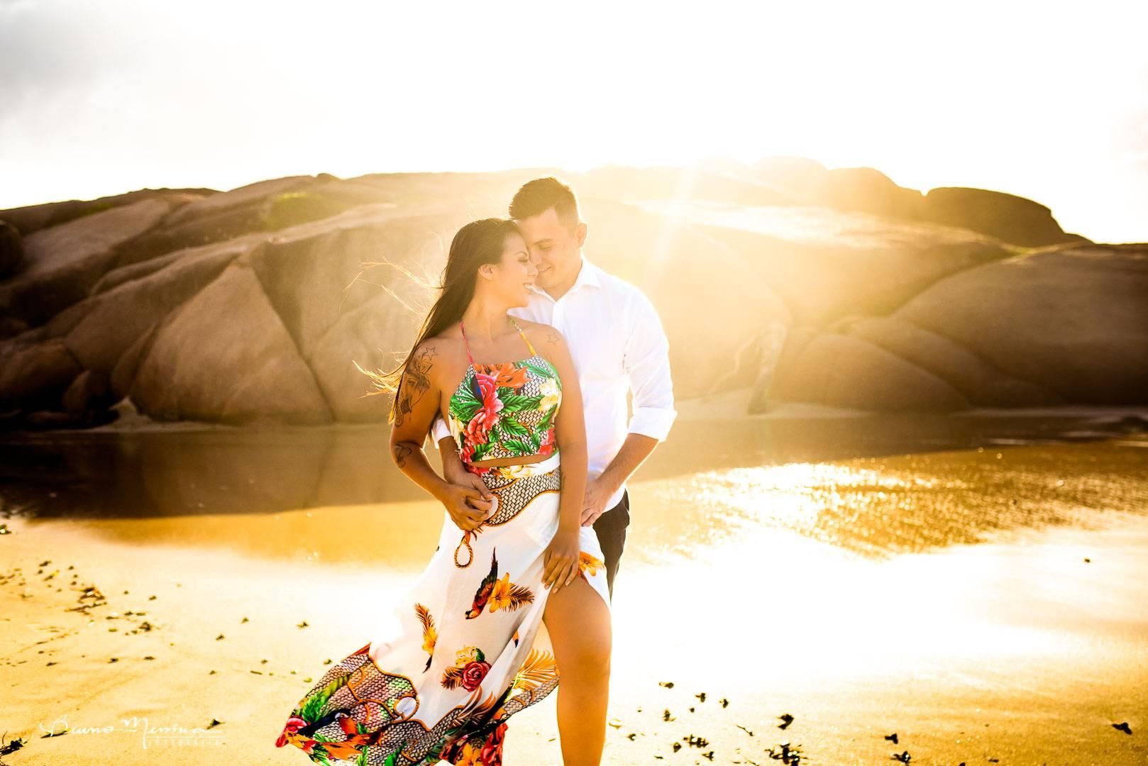 Ensaio Casal em Floripa- sessão de fotos casal-fotos de casal- ensaio casal na praia