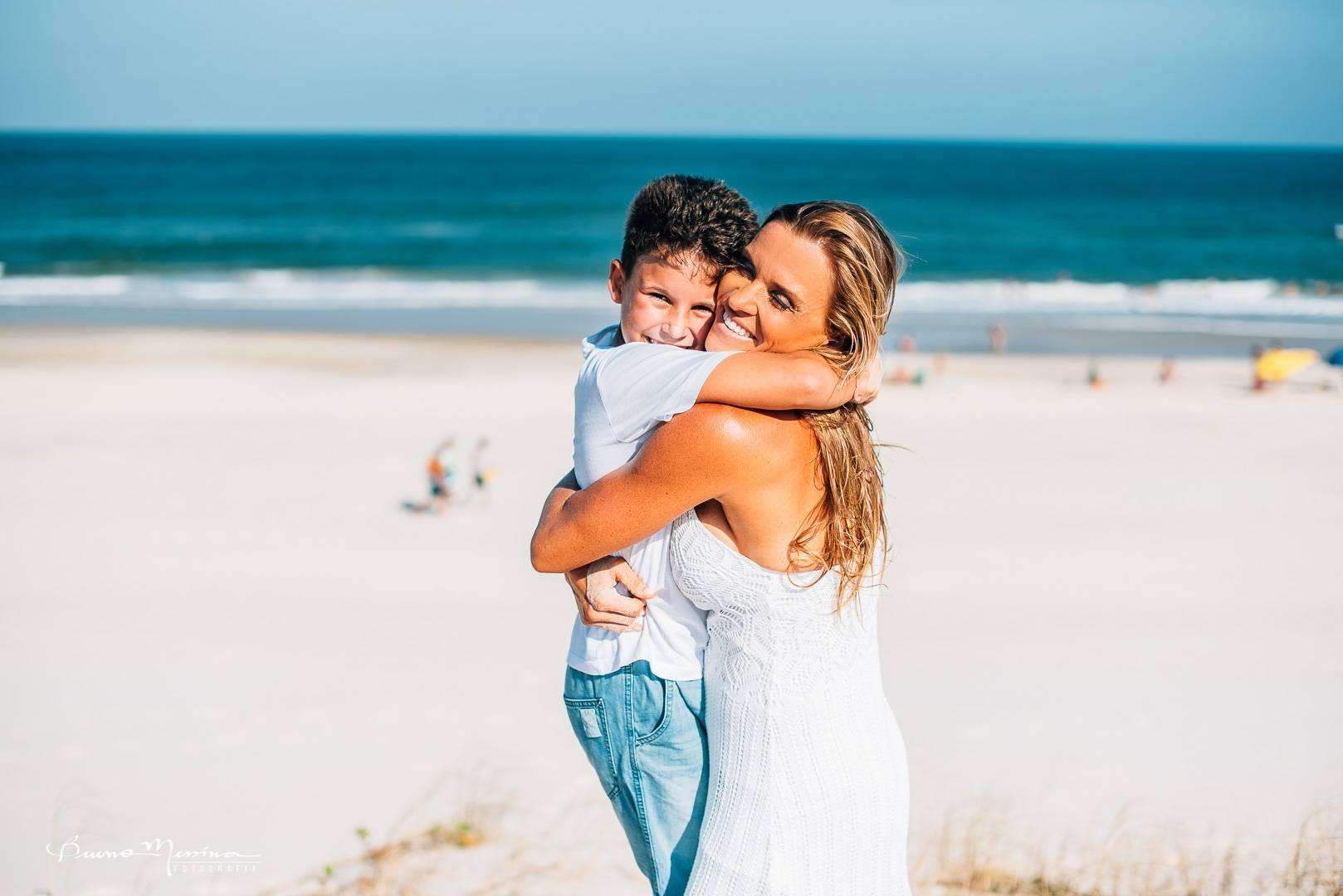 Ensaio Família na Praia - Fotografia de Família na praia - fotos de família na praia - Fotógrafo de família em Floripa
