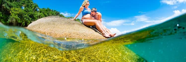 Ensaio Gestante Ilha do Campeche - sessão de fotos gestante - fotos subaquáticas de gestante - Fotógrafo subaquático na ilha do campeche - foto Gestante na água